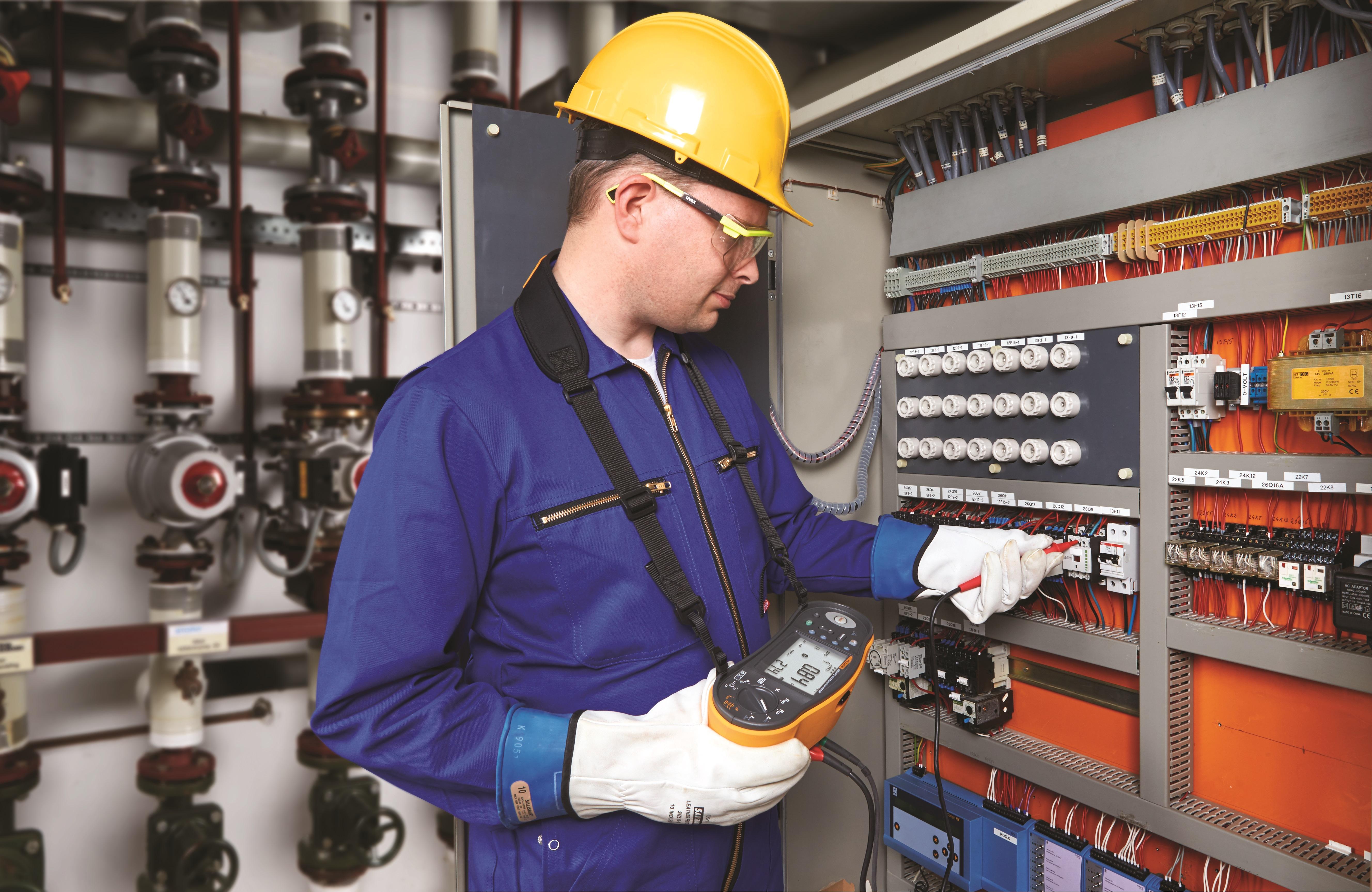 Produtividade e segurança em serviços de manutenção elétrica